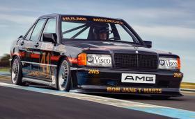 Тази хубавица бе възстановена до първоначалния си блясък. Mercedes 190E 2.3-16 от Австралия