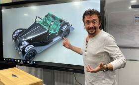 Ричард Хамънд ще си купува нова кола и се нуждае от вашата помощ