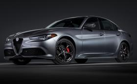 Alfa Romeo Giulia и Stelvio с фейслифт - все още няма LED фарове