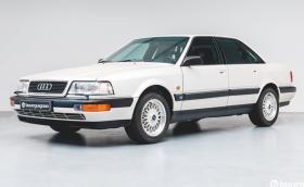 Капсула на времето: Това Audi V8 от 1990 г. има пробег от само 218 км. Влюбени сме!