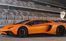 Lamborghini Sian дебютира като първия сериен хибрид на марката