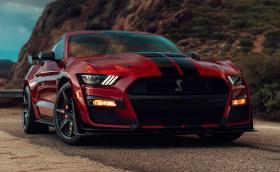 Новият Ford Mustang Shelby GT500 вдига от 0 до 160 км/ч и после пак до покой за 10,6 секунди