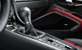 Porsche: Не ви трябва ръчка, за да карате 'истинско' Porsche!