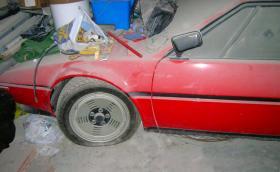 1981 BMW M1, намерено в гараж. Колата е на 7329 и е стояла там 34 години. Галерия