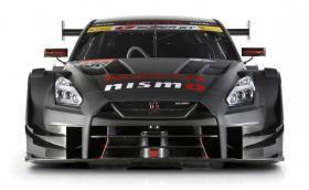 2017 Nissan GT-R GT500. Годзила огладня за едър дивеч. Галерия