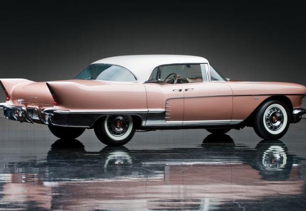 Нашето мнение? И днес имаме Pullman-и и Bentley-та с вградени барчета, които самите струват няколко пъти, колкото колите които караме ние. Така че.