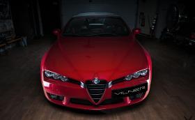 Fibra dе Carbono Rosso. Vilner отдели специално внимание на Alfa Spider