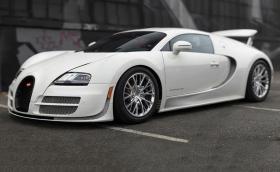 2013 Bugatti Veyron 16.4 Super Sport 300, последният Veyron купе. Продава се и е страхотен. Галерия от 25 снимки