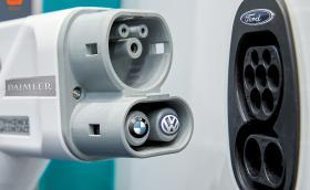 BMW, Daimler, Volkswagen и Ford ще изградят 1000 станции за бързо зареждане из Европа. Супер