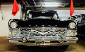 Колите на диктаторите: 5 автомобила на държавни глави, отразяващи тяхната персоналност