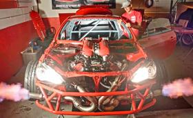 Епичният звук на един 4,5-литров Ferrari V8 в Toyota. Видео и галерия