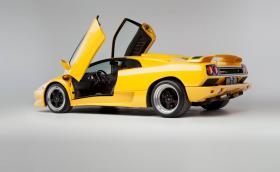 15 причини, поради които това Lamborghini Diablo SV Coupé е по-готино от Aventador. Галерия с причините