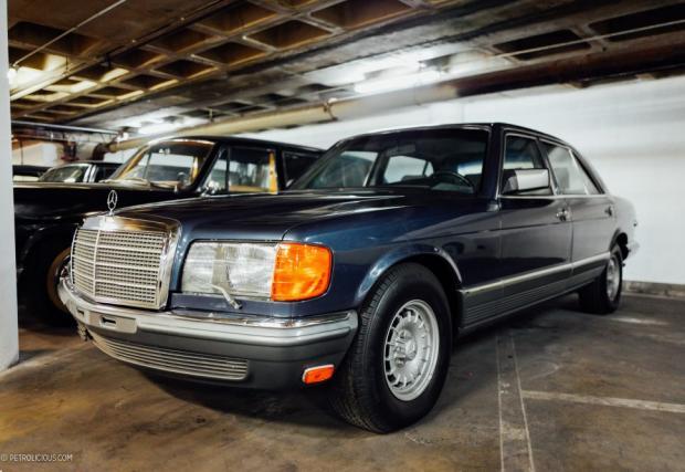 """Mercedes-Benz 500 SEL. S-Class-ата известна с прозвището """"Пурата"""" у нас, която е и една от най-чистите, здрави и готини S-ки правени някога. Звукът от затваряне на вратите все още е ненадминат, поне за феновете на W126."""