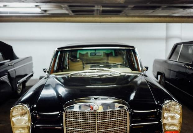 Ултимативният символ на лукса и превъзходството. Не си никакъв диктатор, ако не си карал..., прощавайте, ако не са ви возили в 600 Pullman.