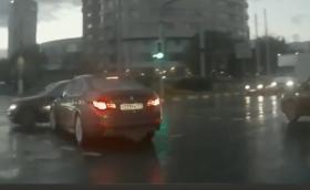Колата-призрак в Русия. Припомняме това плашещо видео, във вечерта на Вси Светии