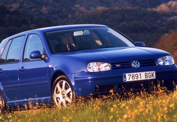 MkIV V6 4Motion, с 2,8-литров шестак, 204 к.с. и 270 Нм. Предаването е двойното 4Motion, за да не изнемогне предницата.