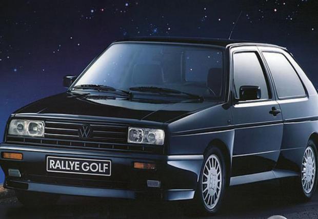 Rallye Golf MkII, направен само и единствено с цел хомологиране на състезателните коли. Правоъгълни фарове, двойно предаване и 1,8 турбо мотор със 160 коня. По онова време струва 50 000 марки, двойно повече от стандартния GTI. Направени са само 5000 коли.