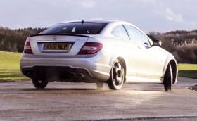 Най-добрата кола на света? Mercedes-Benz C 63 AMG с 480 коня и гуми с ширина… 125 милиметра. Видео