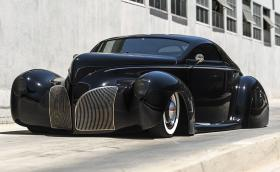 1939 Lincoln-Zephyr 'Scrape' Custom изглежда заплашително, плюе огън и се продава
