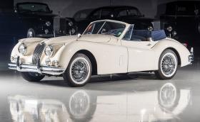 Този 1956 Jaguar XK 140 MC Drophead Coupe е идеален за идното лято. Галерия и инфо