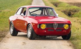 Тази прекрасна 1965 Alfa Romeo Giulia Sprint GTA 1600 ще бъде продадена. Галерия и инфо