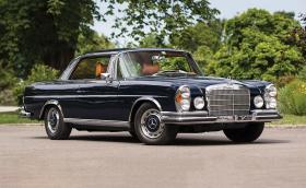 Този 1970 Mercedes-Benz 280 SE 3.5 Coupé е приказка с две врати