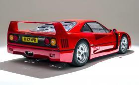 Това вероятно е най-читавото Ferrari F40 на света. На 2100 километра е и се продава за милион паунда