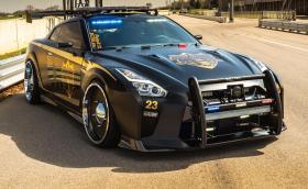 Този Nissan GT-R Pursuit 23 'Copzilla' е най-лютата патрулка, която някога сме виждали. Галерия и инфо