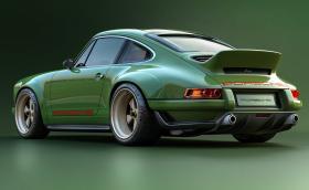 Това е най-новото Singer Porsche 911, мощно е 500 коня, тежи под 1 тон и е реализиран мокър сън