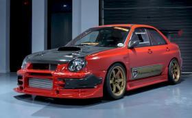 2002 Subaru Impreza WRX 'Bugeye', в което са изсипани 250 000 долара. Видео