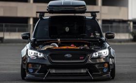 Злобно Subaru WRX STi с 820 коня и кутия на покрива. Галерия