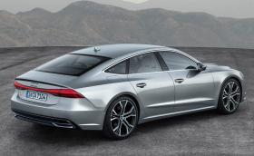 Новото Audi A7 изглежда доста… ново. Стоповете са свързани, а quattro-то предава тяга на задната ос само при необходимост