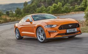 Това е обновеният Ford Mustang. V8 моторът вече е с 450 коня, а скоростите са 10