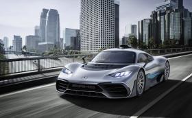 Звездата извади хиперколата. 50 000 об/мин и 350 км/ч. Mercedes-AMG Project One е болид от F1 в овча кожа. Галерия и видео