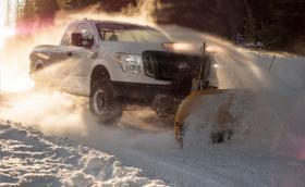 Гребло за сняг е най-яката опция от Nissan тази зима