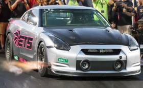 Този GT-R с 3000 к.с. свали 0,03 секунди от собствения си рекорд за четвърт миля. Видео