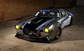 'Rampage Camaro' e реализиран мокър сън. Задвижва се от 7-литров V8 със 740 коня и е изработен, като бижу