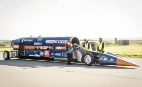 """""""Колата"""" тежи 7,8 тона, колелата са 36 инчови, а максималната скорост – 1690 км/ч. 360-градусово видео"""