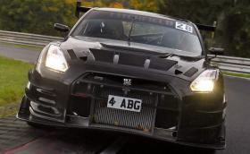 """Този карбонов Nissan GT-R е направен за рекорд на """"Ринга"""". По-лек е с 350 кг и е мощен 1100 коня"""