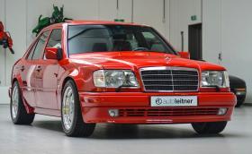 Този прекрасен 1995 Mercedes-Benz E 60 AMG е на 70 хил. километра и се продава за 135 хил. евро