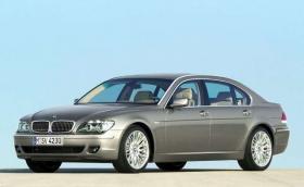 BMW 7 E65 се оказа с летящи врати