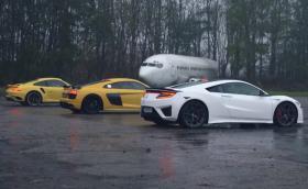 Защо трябва да е сухо за драг? Крис Харис събра NSX, 911 Turbo и R8 V10 Plus на подгизнала писта. Видео