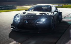 Lexus RC F GT3 изглежда брутално. Пистарката е с 500 коня и агресивно аеро. Галерия и инфо