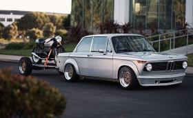 BMW 2002 и BMW R 75/6 са прекрасна комбинация, дори ремаркето е с чифт BBS-ки