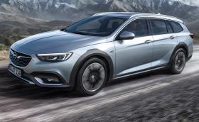 Ето го новото комби за приключения на Opel. Светкавицата на Insignia Country Tourer сочи към Audi A4 Allroad и компания
