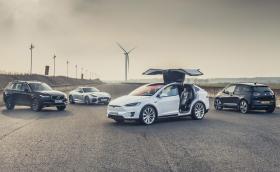 Tesla Model X vs останалите