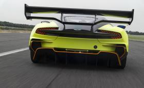Aston пуска Vulcan с подобрено аеро. Вече задното крило може да приземи Airbus