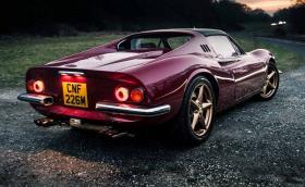 Един ужас за традиционалистите: Dino 246 GTS с V8 и джанти от F360. Галерия и историята