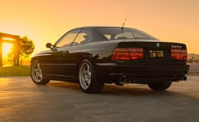 BMW 850 CSi, колата мечта с непреходен дизайн и двигател, като на McLaren F1. Галерия и видео