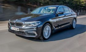 Карахме новото BMW Серия 5. Кара се и паркира само. Почти... Първи впечатления от колата. Галерия